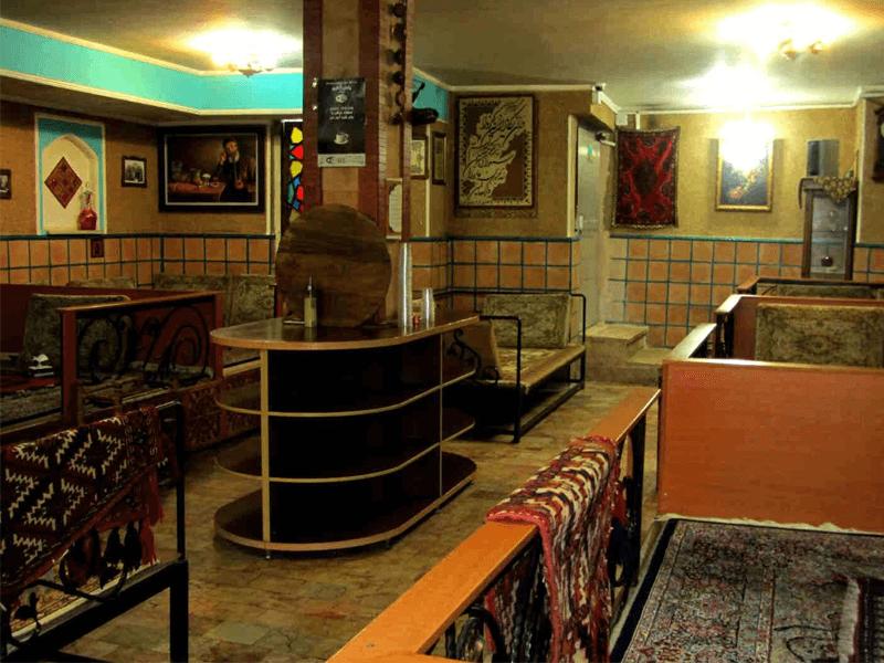 بهترین رستوران های کرمان-رستوران سنتی مکث