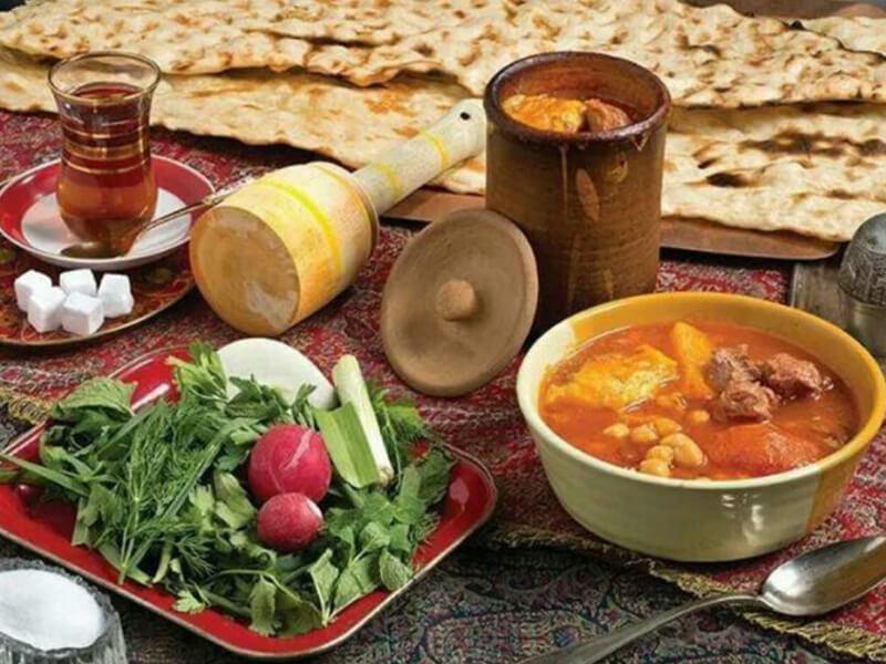 معرفی رستوران های همدان - دیزی سرای آریاییان